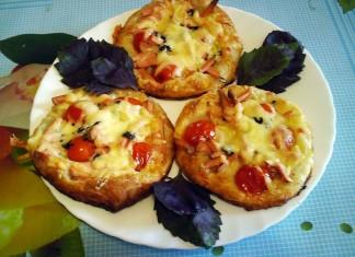 mini-picca-s-pomidorami-cherri-i-vetchinoj