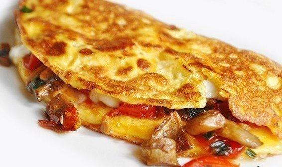 omlet-farshirovannii-gribami-i-bekonom