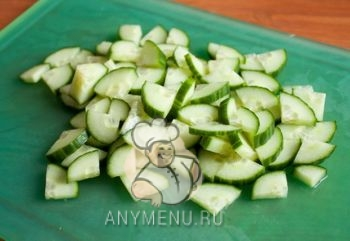 taishkii_salat_i_mango_i_ogurca