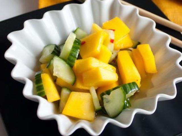 taiskii_salat_s_mango