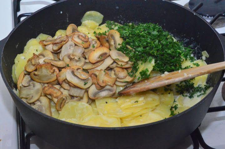 Картофель с грибами в сливках