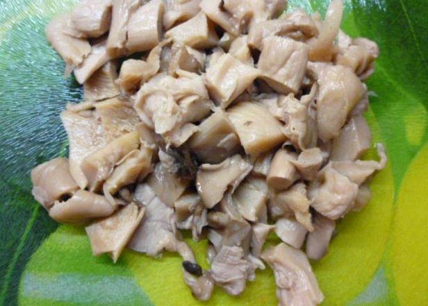 Рисовый суп с маринованными грибами и красной фасолью