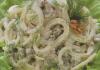 salat-kalmari-s-veshenkami