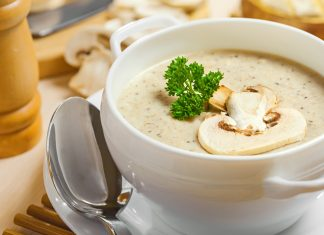 kartofelnii-sup-pure-s-gribami