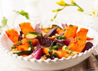 teplyj-ovoshhnoj-salat-s-tykvoj-i-cukini