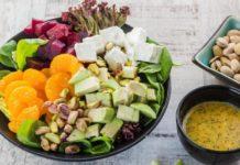 salat-iz-svekly-mandarinov-avokado-i-fety
