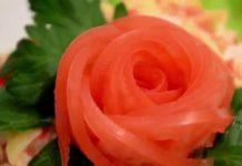 ukrashenie-blyud-kak-sdelat-rozu-iz-pomidora