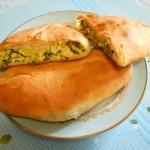 Пирожки из дрожжевого теста с начинкой из яиц и зеленого лука