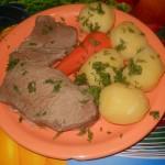 Мясо отварное с картофелем