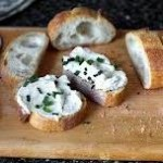 Бутерброд с мягким сыром