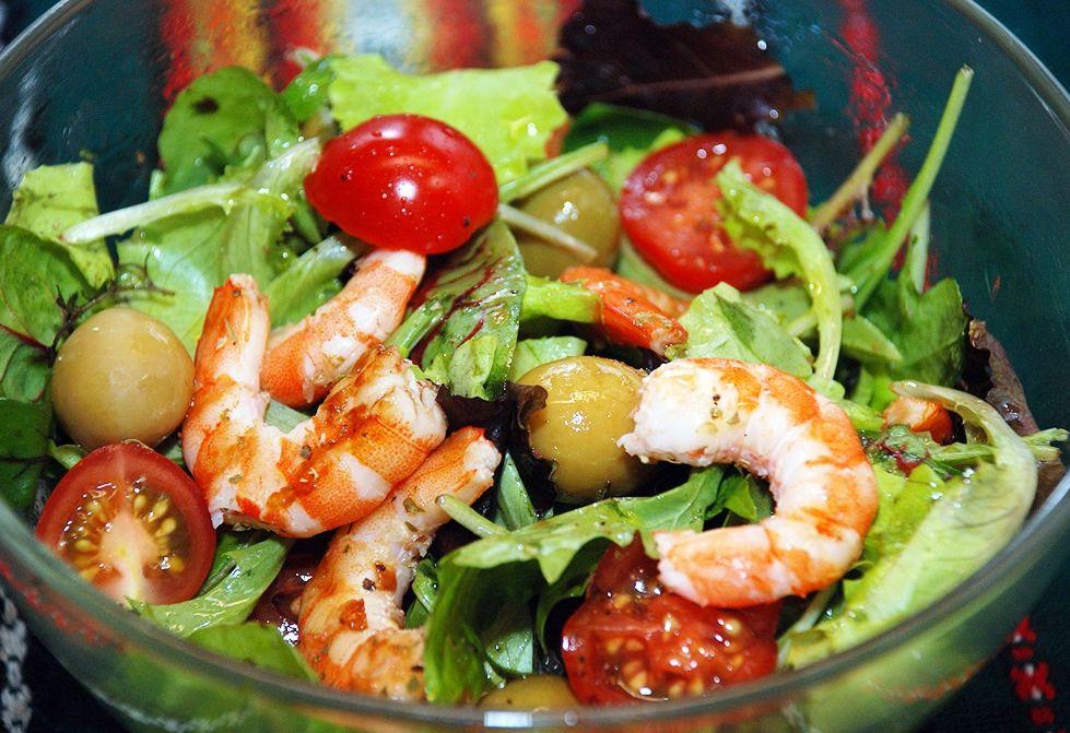 Салат с креветками быстро и вкусно