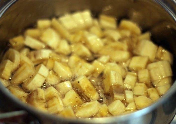 Банановые бурфи с орехами курагой и изюмом2