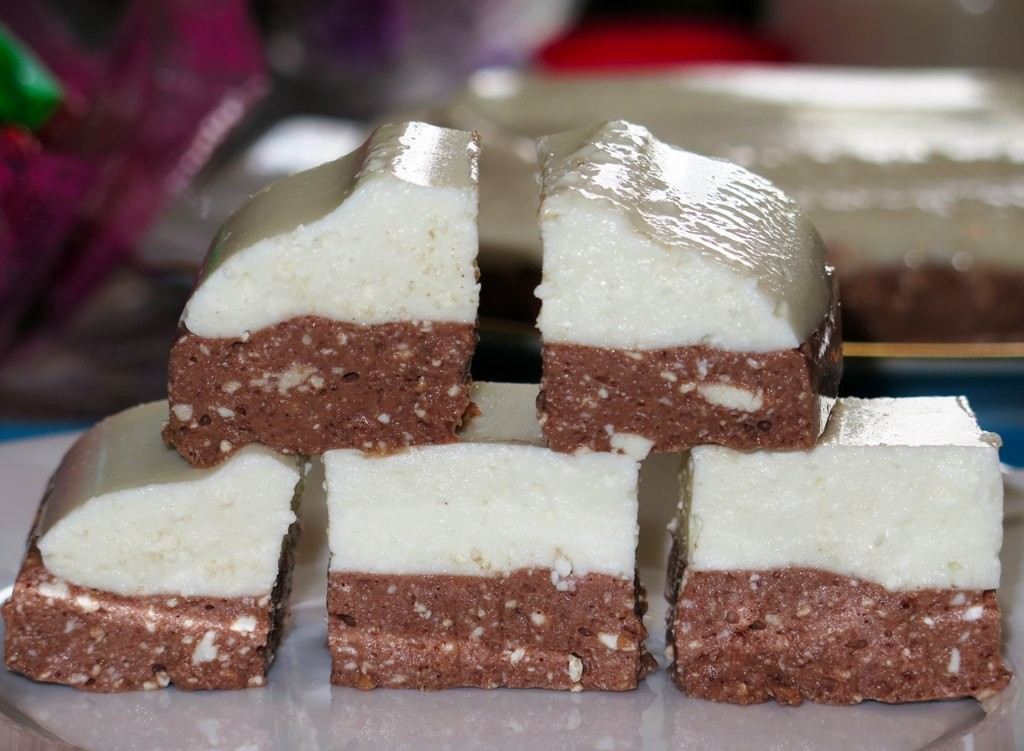 Ванильно–шоколадный творожный десерт