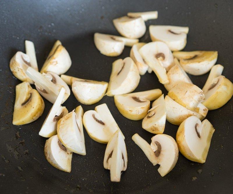 Курица с грибами в горчичном соусе 1