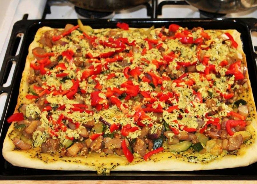 Сочная пицца с овощами 6
