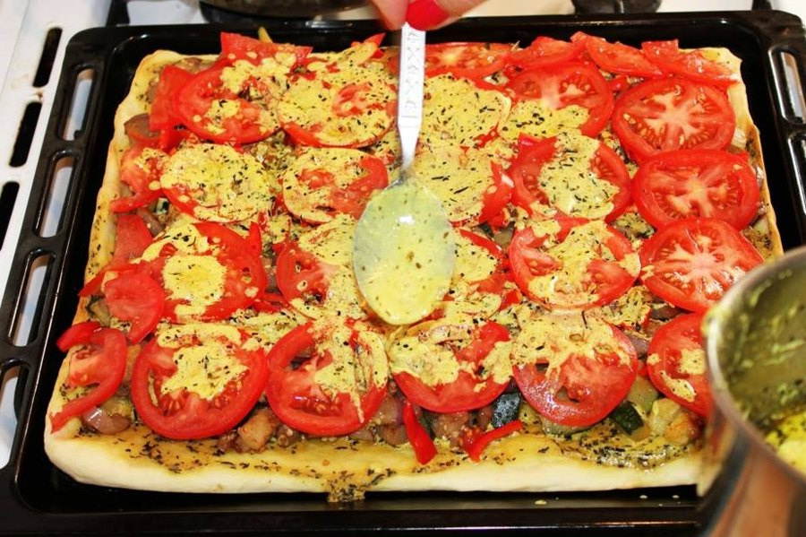 Сочная пицца с овощами 8