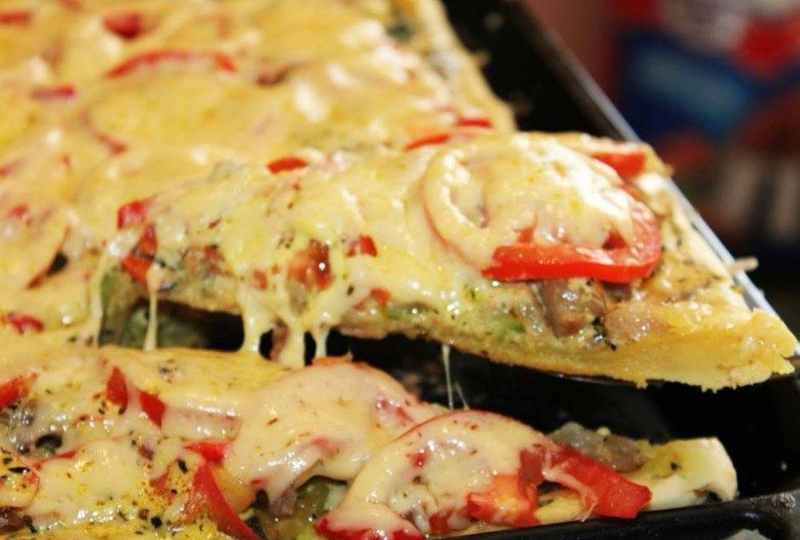 Сочная пицца с овощами