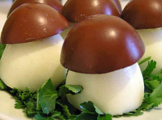 Грибочки боровички из яиц