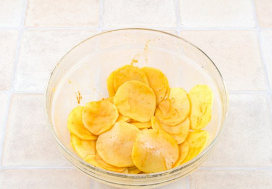 Картофельные чипсы2