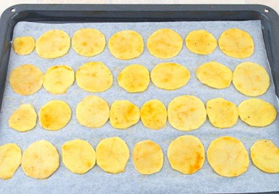 Картофельные чипсы3
