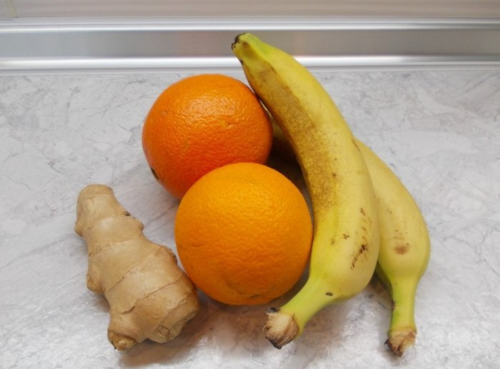 Апельсиново банановый смузи с имбирём