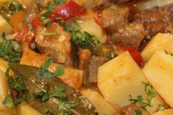 Жаркое из свинины с картофелем3