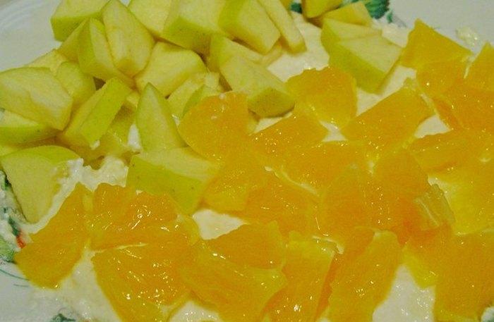 Запеканка творожная с яблоками и апельсинами в микроволновке1