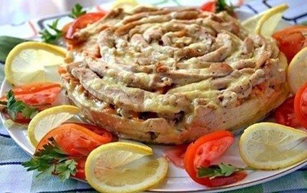 Мясной пирог Чайная роза