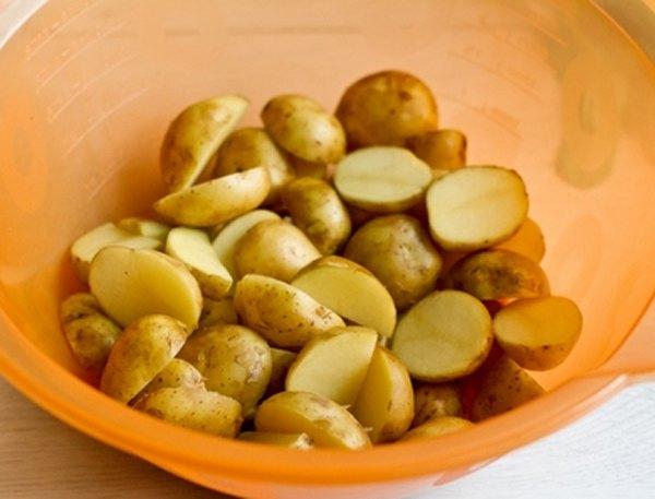 Остро пряный печеный картофель