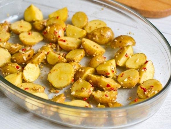 Остро пряный печеный картофель3