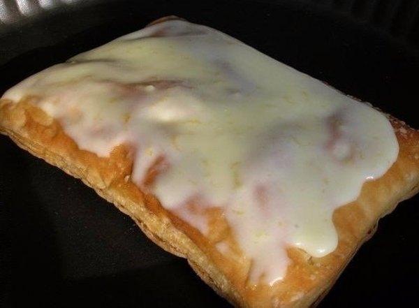 Слоеное пирожное со сгущенкой3