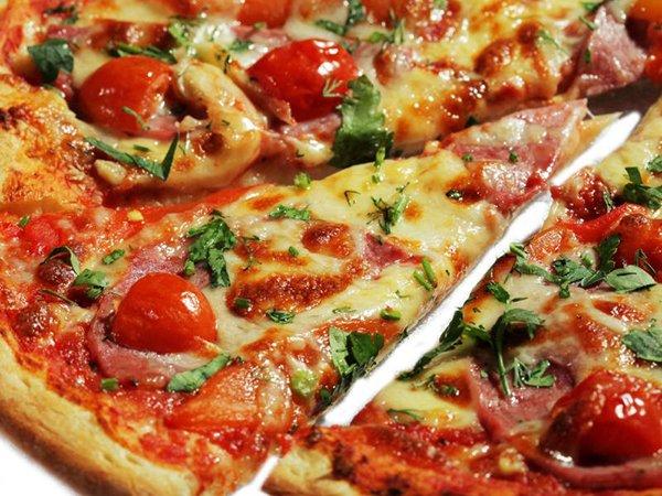 Пицца приготовления итальянской пиццы